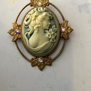 Must See Elegant Cameo Detailed Brooch and Pendant